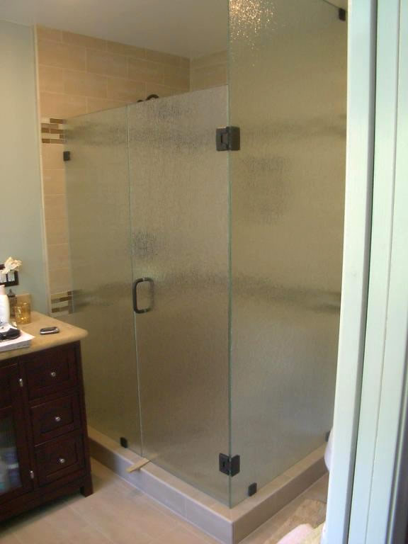 3/8 Rain Glass Shower Enclosure   Clip System