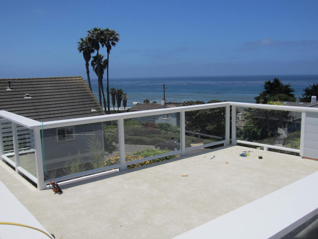 Tempered glass balcony railing sunset cliffs patriot for Glass balcony railing