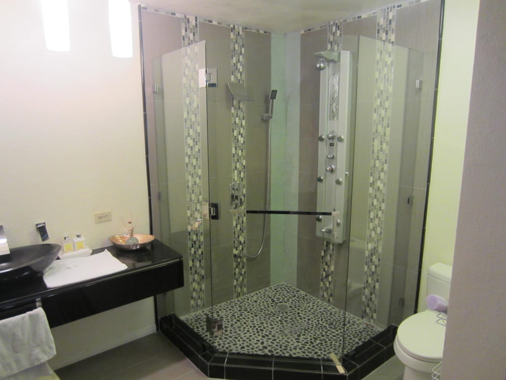 Neo Angle Shower Enclosure - Patriot Glass and Mirror | San Diego CA