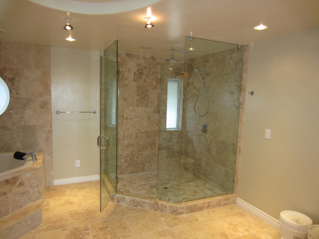 Neo Angle Enclosure Mission Hills - Patriot Glass and Mirror | San ...