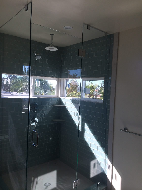 90 Degree Floor To Ceiling Glass