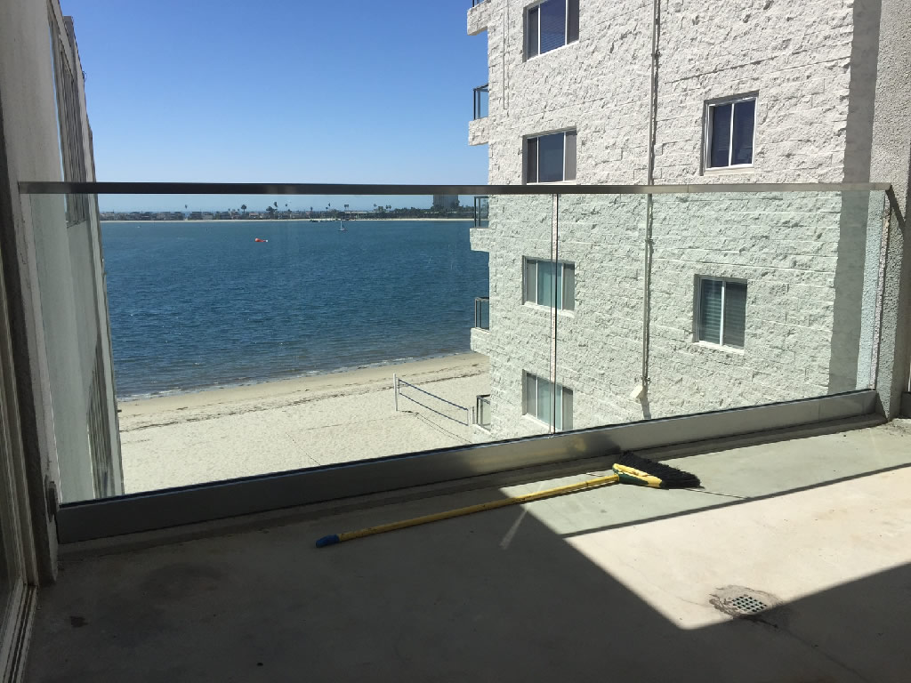 Railing With Low Profile Stainless Steel Top Rail Mission Bay