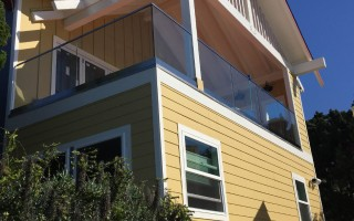Glass Railing Installation For Unobstructed Ocean Views San Diego