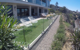 Half Inch Glass Railing With Stainless Steel Bird Rock