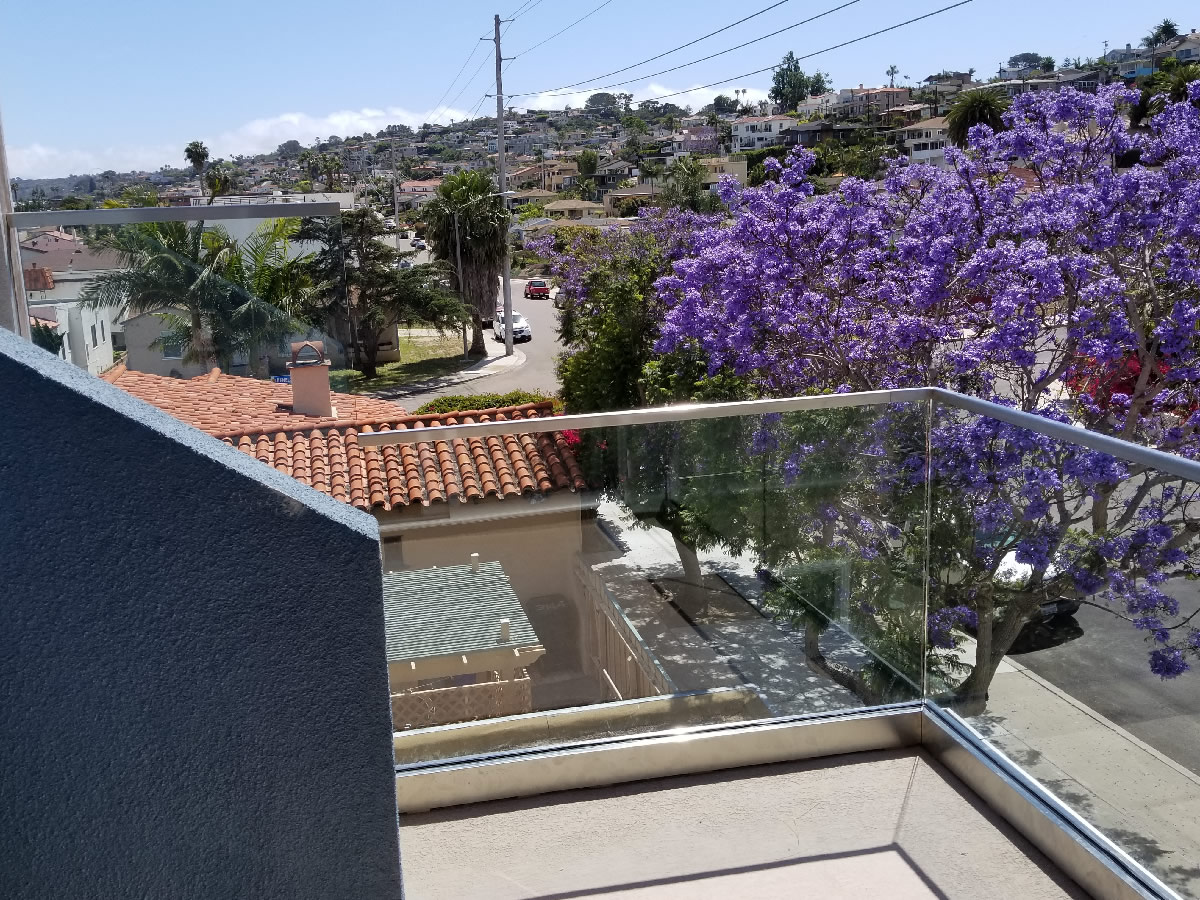 Tempered Glass Railing With Stainless Top Rail Point Loma